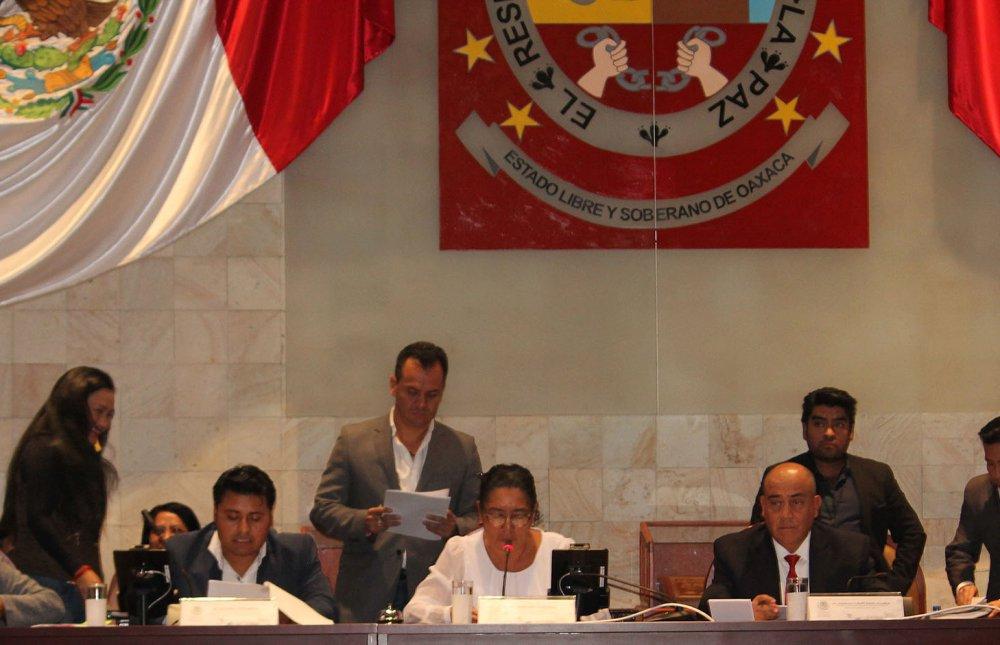 Oaxaca merece una mejor educación, afirman diputados
