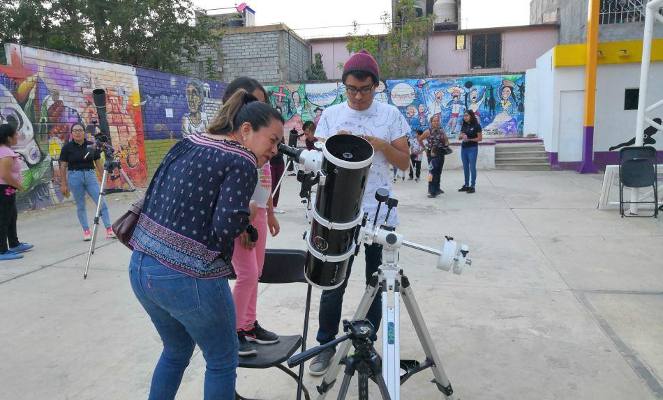 Acercan talleres de astronomía a niños y jóvenes de Xoxocotlán
