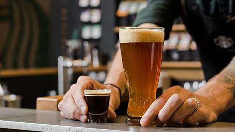 ¿Por qué te gusta la cerveza y el café negro?, estudio responde