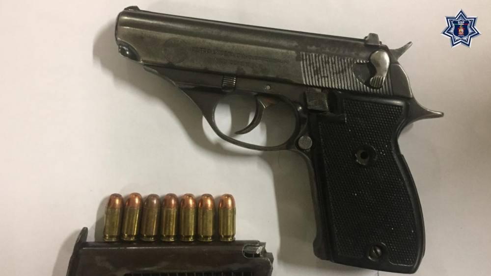 Asegura Policía Estatal arma y detiene a dos personas