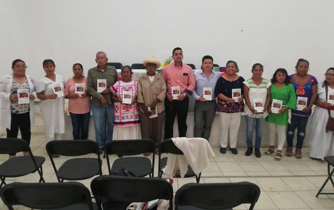 Profesores de la UNCA presentan el libro Plantas medicinales de la Cañada Oaxaqueña