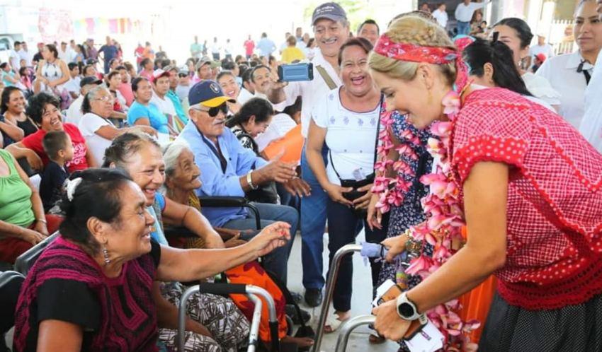 Caravana DIF recorre incansablemente el Istmo de Tehuantepec en su sexto día de actividad