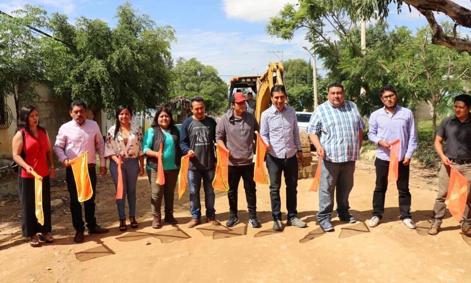 Inversión en obra pública continúa en Xoxocotlán: López Jarquín