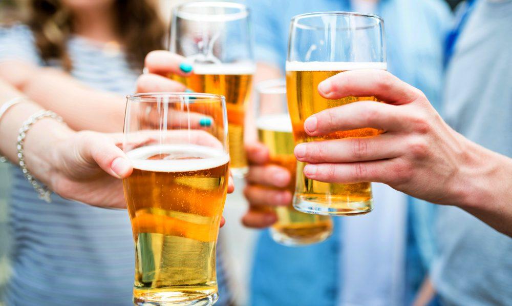 Tomar cerveza al salir del trabajo reduce el estrés, dice la ciencia