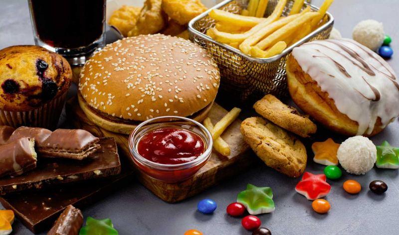 Cuidado con lo que comes: Ciertos alimentos encogerían tu cerebro
