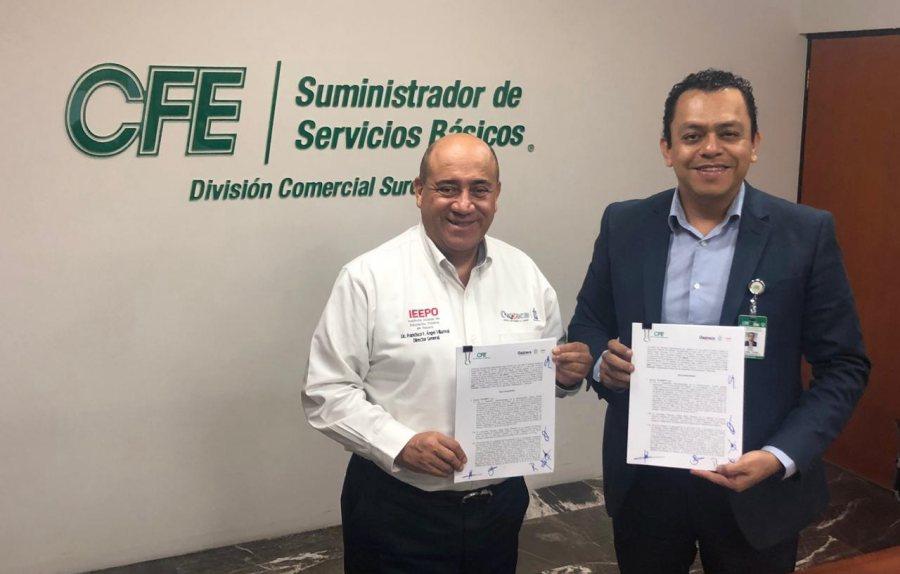 Firman IEEPO y CFE convenio para garantizar energía eléctrica a más de 10 mil escuelas