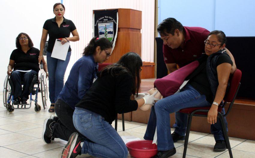 Capacita JSVC a personal de primeros auxilios en emergencias obstétricas