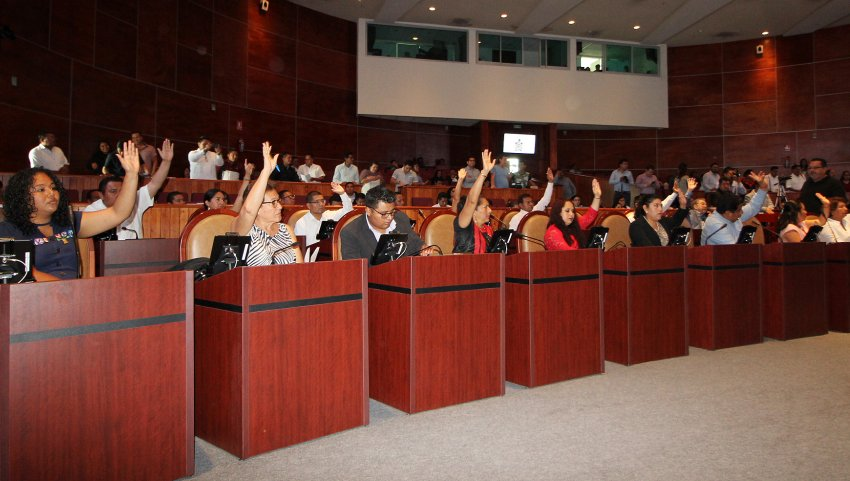 Exhorta Legislativo a dependencias en materia de salud e infraestructura