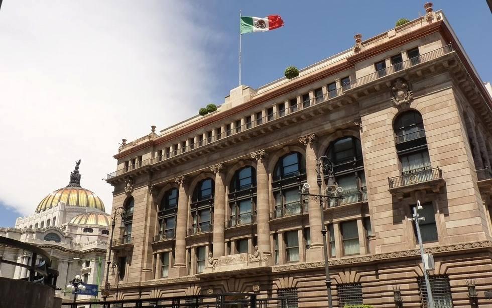 No hay datos contundentes para considerar una recesión en México: Banxico