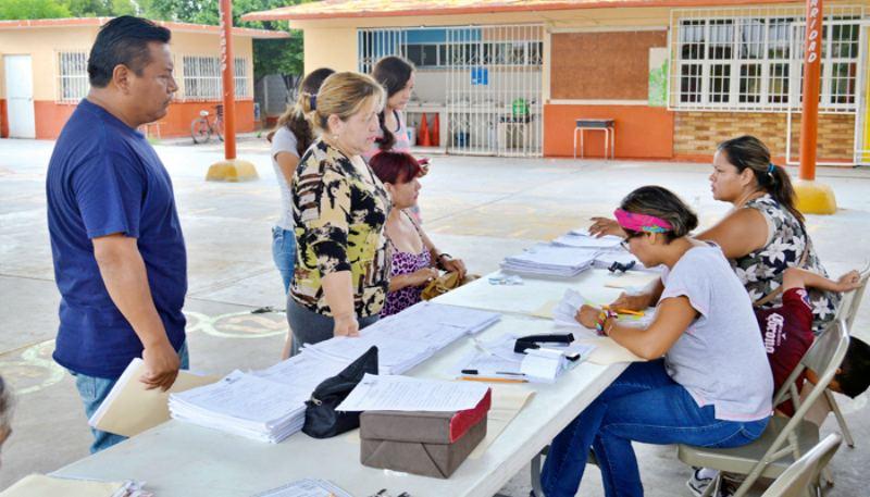 Escuelas de Nivel Básico no deben condicionar inscripción con pago de cuotas: IEEPO