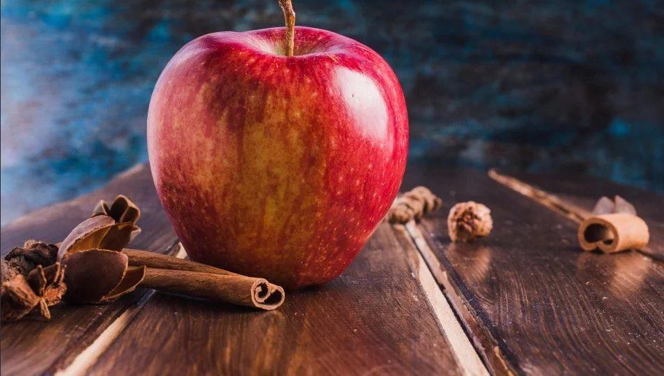 Té de manzana y canela, una receta para adelgazar