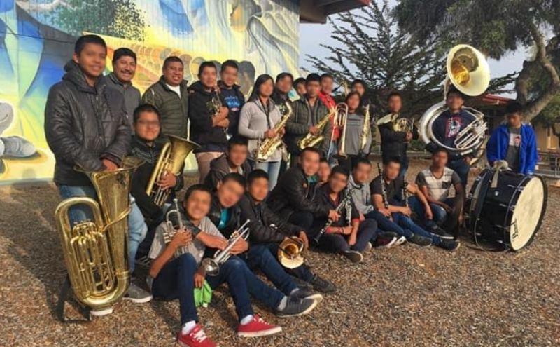 Felicita IEEPO a banda de música de estudiantes de Zoogocho por su aportación cultural
