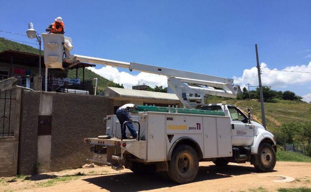Mejoran servicios básicos para beneficiar a familias de Xoxocotlán