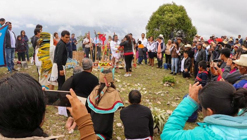 Encabeza Eufrosina Cruz conmemoración del Día Internacional de los Pueblos Indígenas