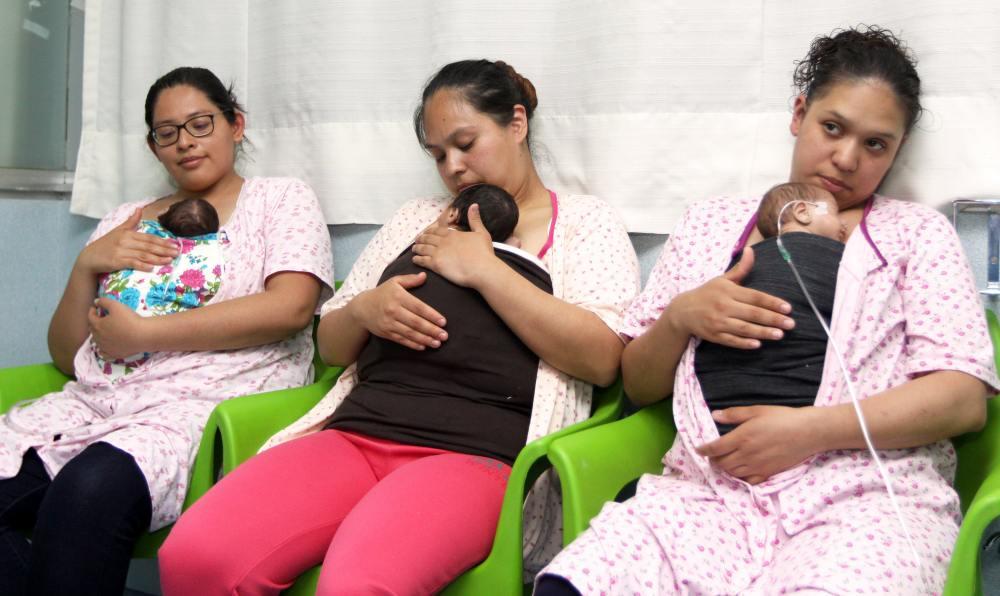 Con el programa Mamá Canguro, IMSS fortalece vínculo madre e hijo a través de la leche materna