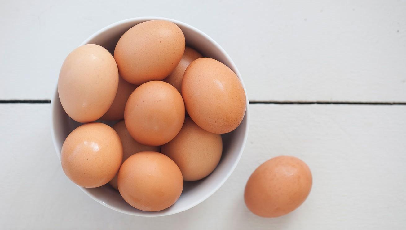 ¿Con qué frecuencia es sano comer huevos?