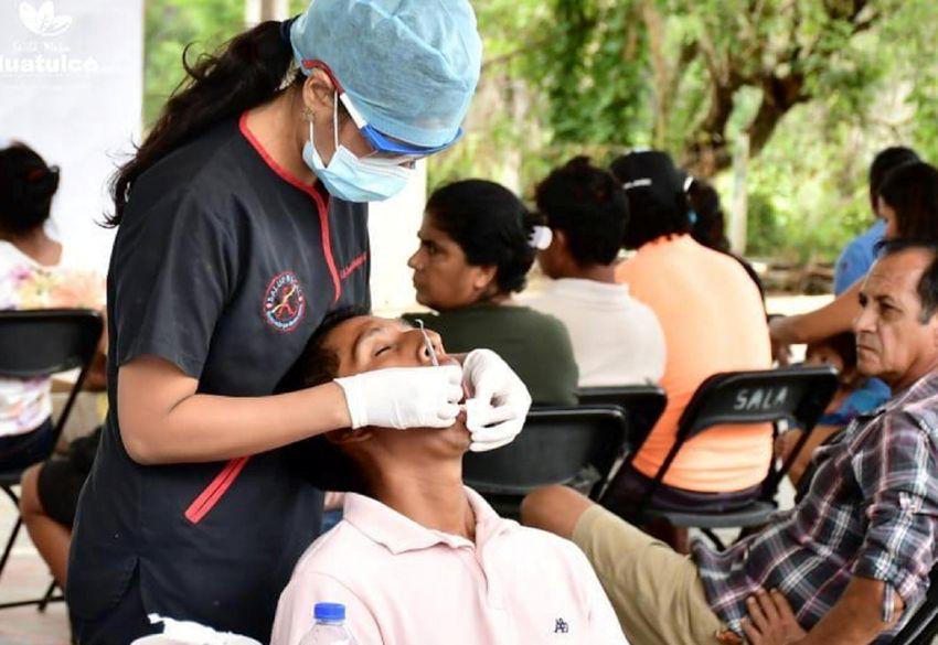 Benefician jornadas odontológicas y cirugías bucales a habitantes de la Costa