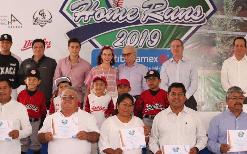 Entrega fundación Alfredo Harp Helú Oaxaca 7 millones de pesos en donativos en el estado a través del programa home runs citibanamex 2019