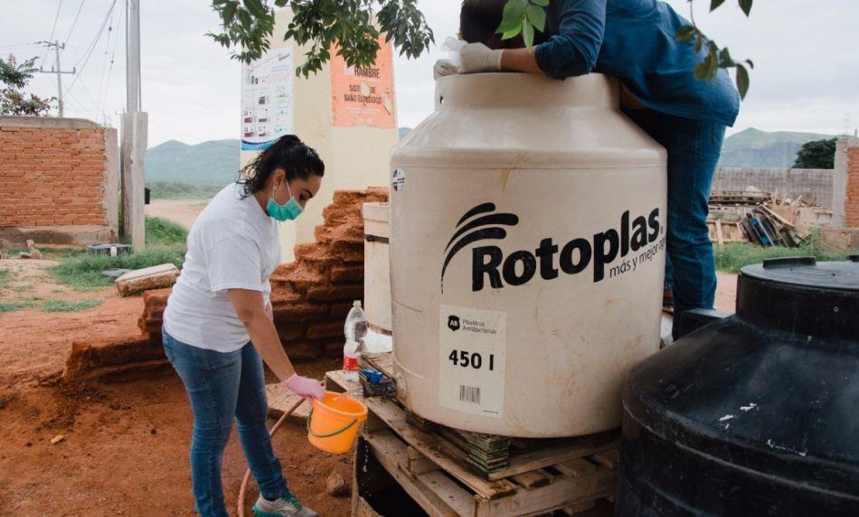 En época de lluvias, IMSS recomienda limpiar cisternas y tinacos para no contaminar el agua