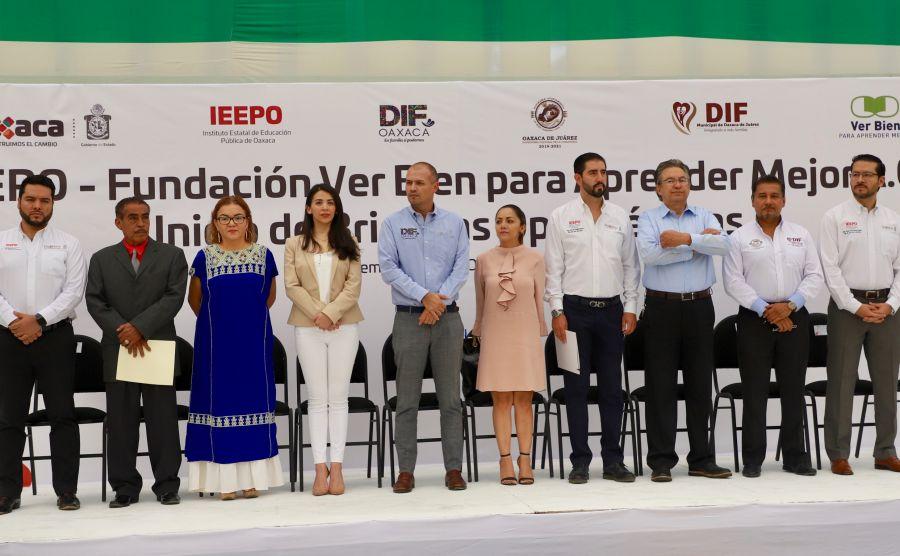 """Apoyarán IEEPO y """"Ver Bien para Aprender Mejor"""" con exámenes optométricos a 25 mil alumnos oaxaqueños"""