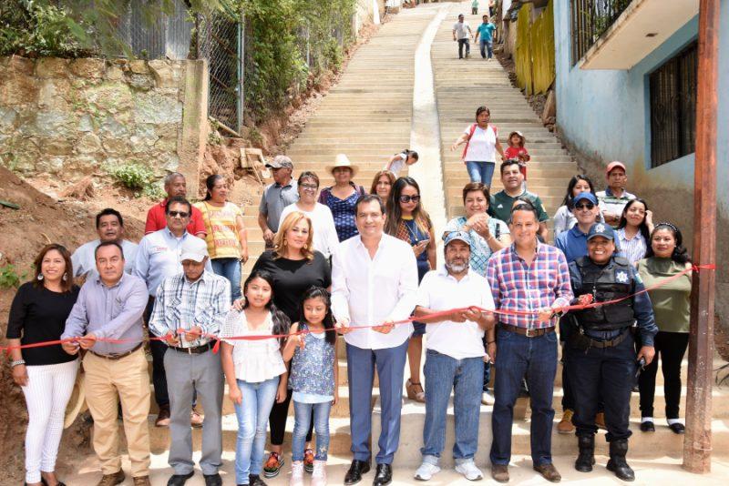 Entrega Oswaldo García obras de impacto social en Oaxaca de Juárez