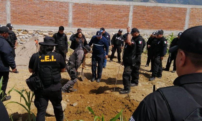 En cateo realizado en Huautepec, Fiscalía General asegura armas, vehículos y droga y detiene a dos personas