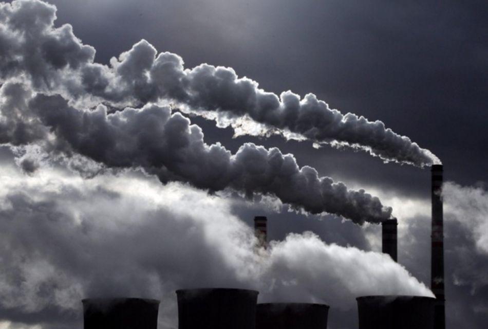 Científicos convierten dióxido de carbono en combustible líquido