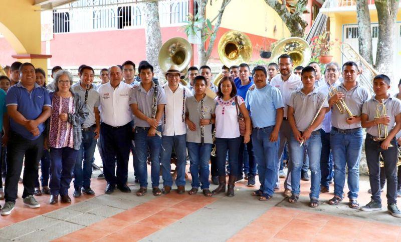 El IEEPO y la Dirección Indígena de la SEP visitan Secundaria Comunitaria de San Andrés Solaga