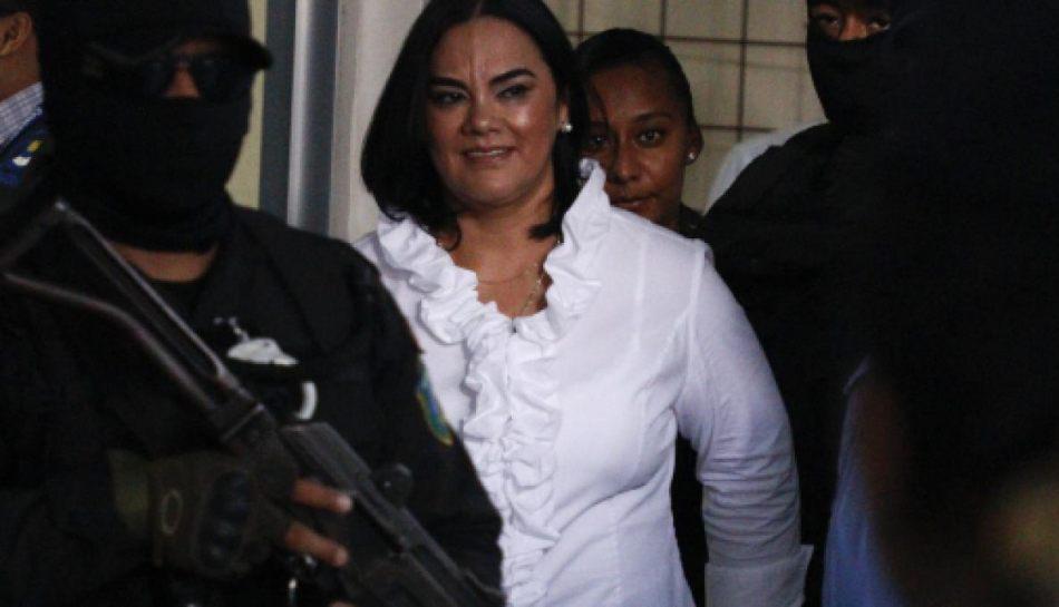 Condenan a 58 años de cárcel a exprimera dama de Honduras