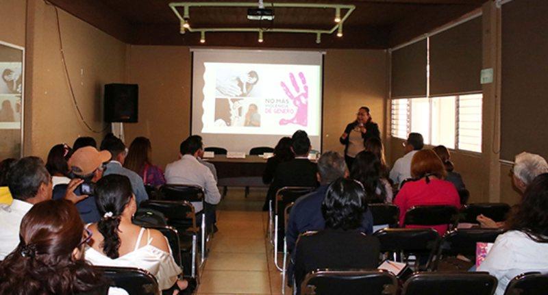 Establece DDHPO alianza estratégica contra violencia de género