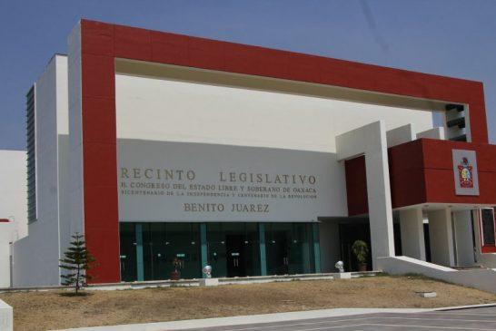 Congreso de Oaxaca promueve la erradicación de unicel en comunidades