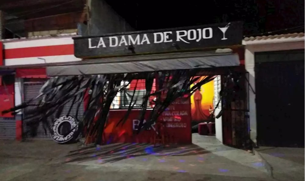 Comando ejecuta a cuatro personas en bar de Salina Cruz, Oaxaca