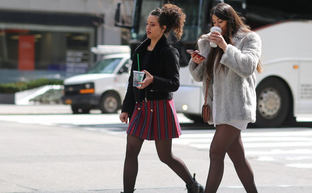 Si caminas más despacio puedes envejecer más rápido, alerta un estudio