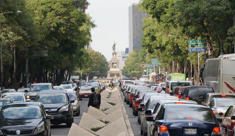 Los coches que no circulan también generan tráfico