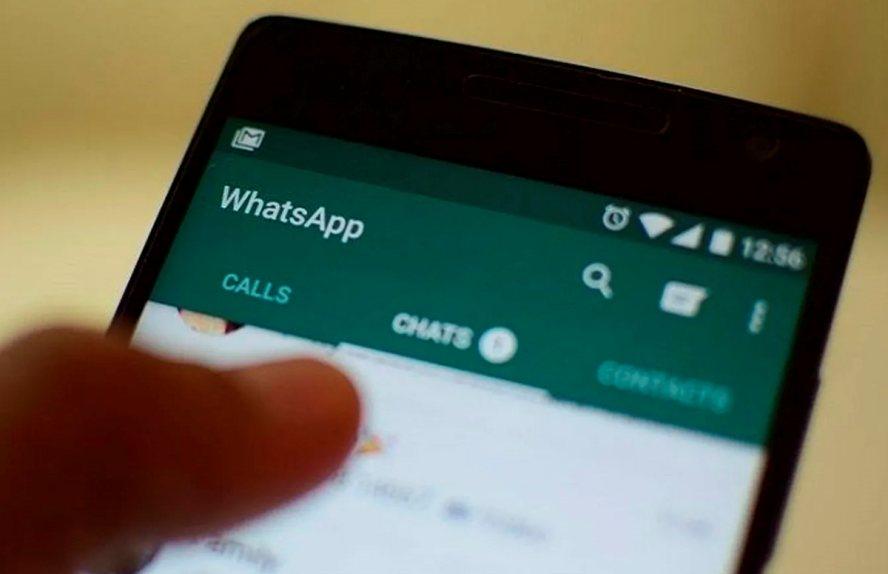 Cuidado, unos vídeos falsos en WhatsApp pueden bloquearte el móvil