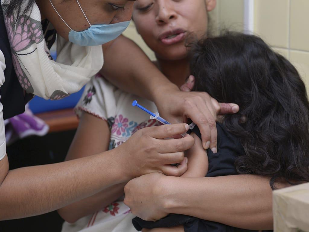 Resguarda SSO lote de vacuna triple viral