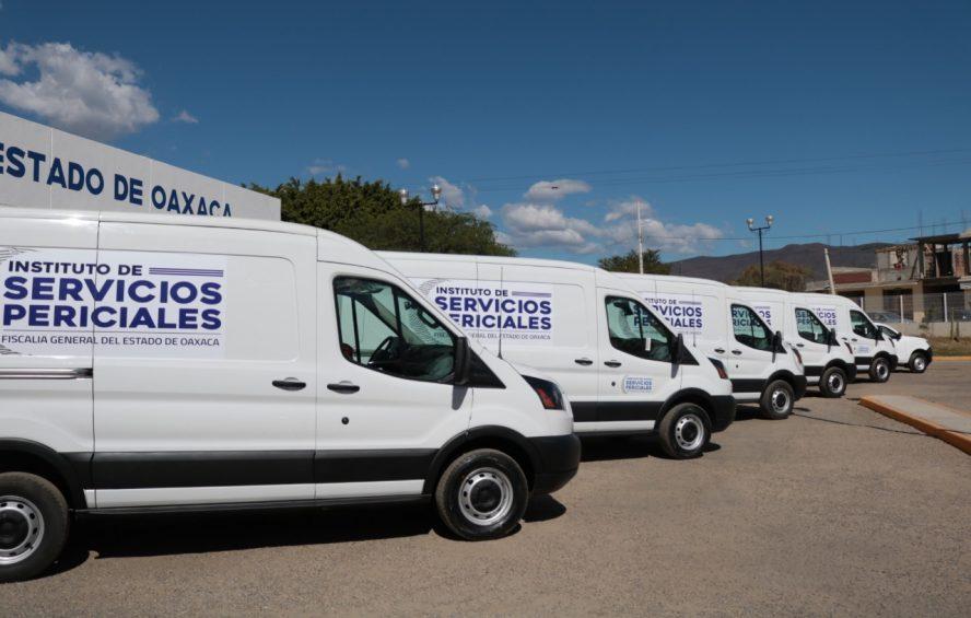 Con entrega de nuevos vehículos para el Instituto de Servicios Periciales, Fiscalía General moderniza y dignifica actividad forense