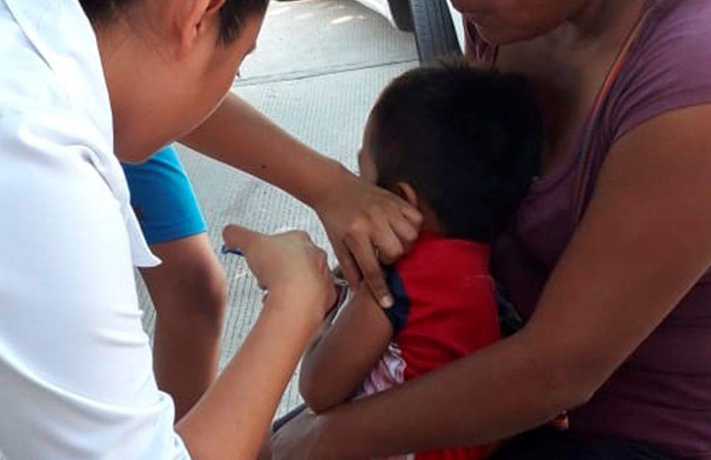 Llama SSO a grupos de riesgo a vacunarse contra la influenza
