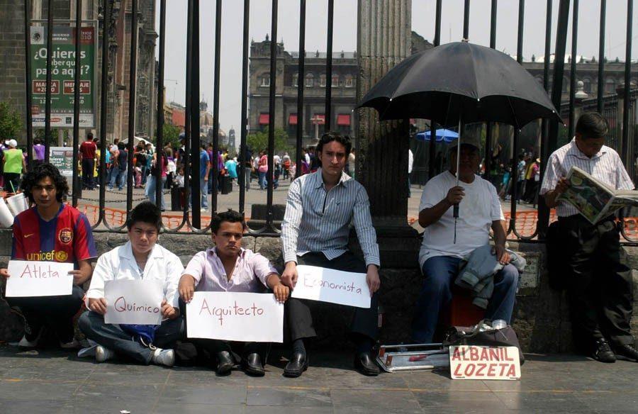 México registra la menor creación de empleo en una década