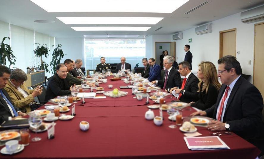 Conjuntan esfuerzos Oaxaca con Gobierno Federal para garantizar la paz y seguridad de la población: Murat