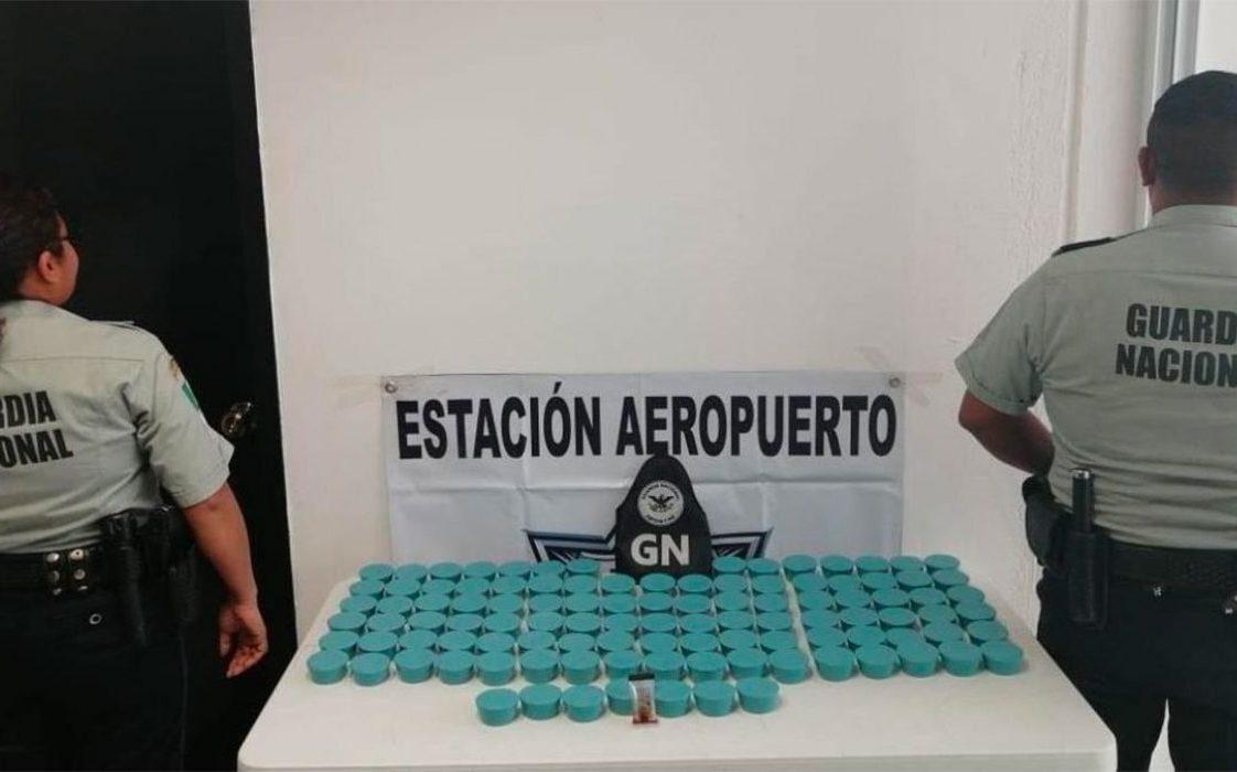 Aseguran más de 11 kilos de droga en empresa de paquetería en Oaxaca