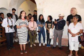 """Fondo """"Ventura Conde"""". Donación y exposición de documentos históricos de Yatzachi el Alto"""