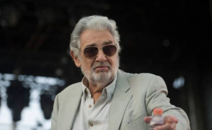 Plácido Domingo pide perdón a mujeres por acoso sexual y acepta responsabilidad de 'sus acciones'