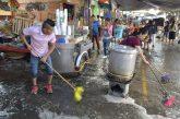 Realizan Ayuntamiento capitalino y tres mil comerciantes limpieza en el Mercado de Abasto
