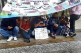 Papás de niños con cáncer inician huelga de hambre afuera de Ssa