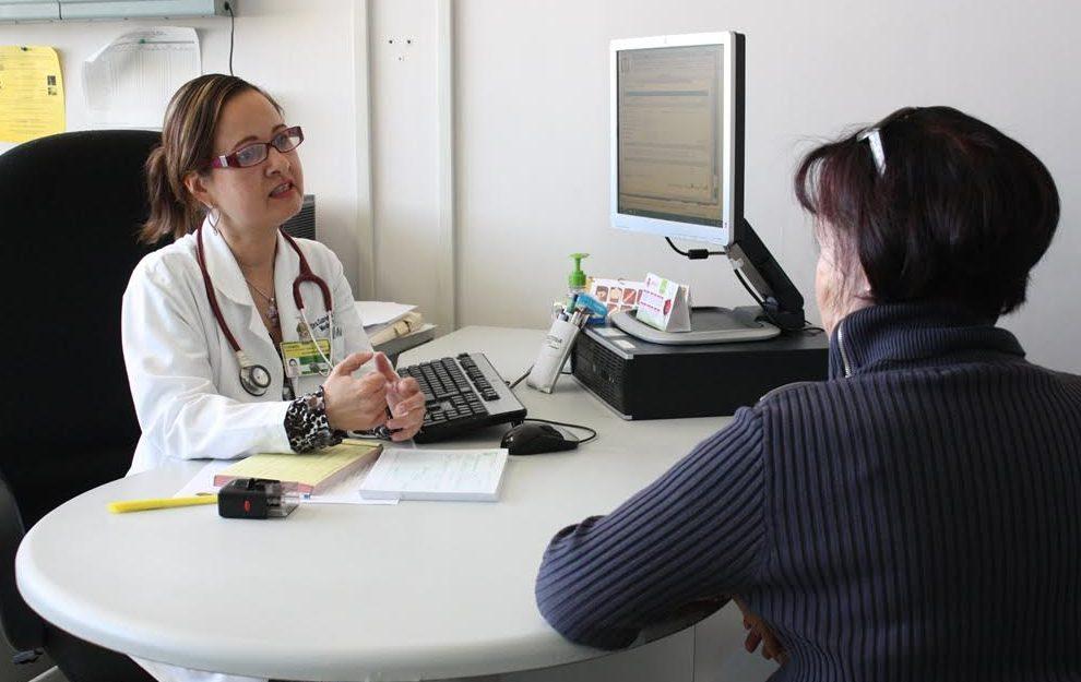 Médicos del IMSS señalan las similitudes y diferencias entre covid-19 y dengue