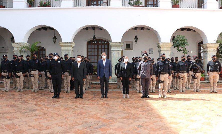 Reconoce Ayuntamiento de Oaxaca a elementos del Grupo Urbano de Fuerzas Especiales