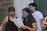 Pacientes de covid infectan a la mitad de su familia, según estudio