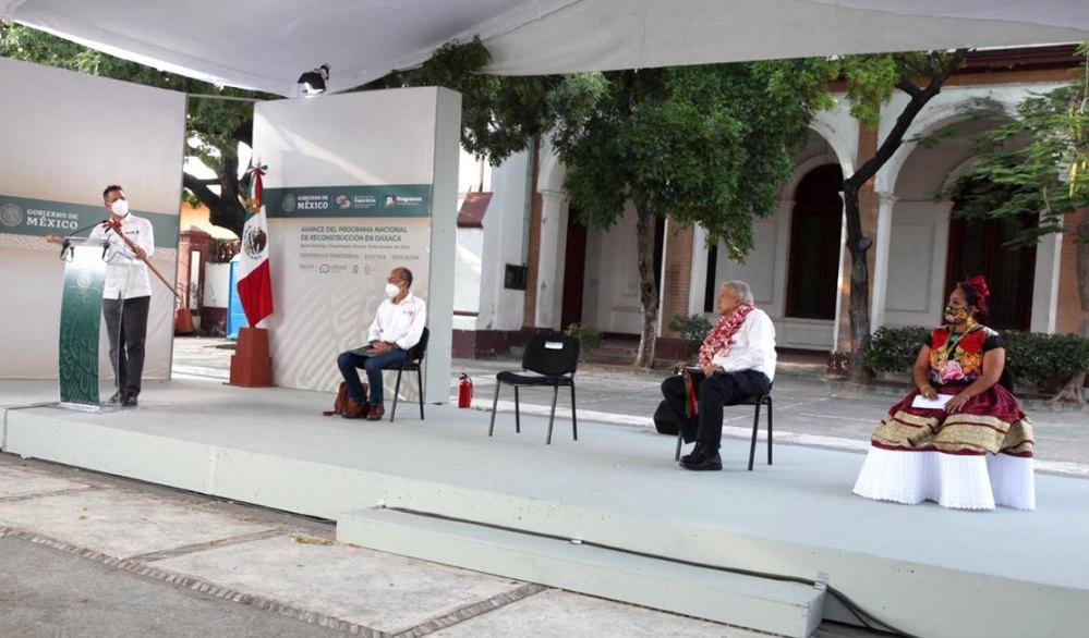 En gira por el Istmo, Murat Hinojosa y López Obrador reafirman compromiso con el trabajo en unidad