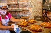 Inicia elaboración del tradicional pan de muerto en San Bartolo Coyotepec